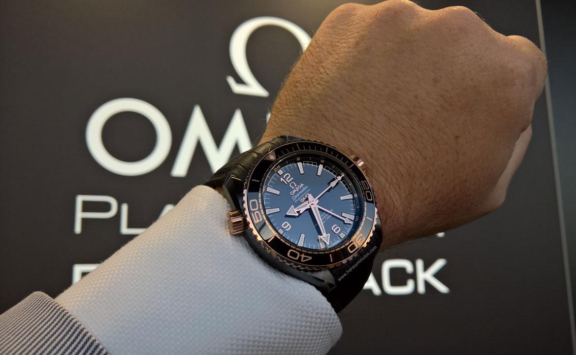 Omega-Seamaster-Planet-Ocean-Deep-Black-25-Horasyminutos