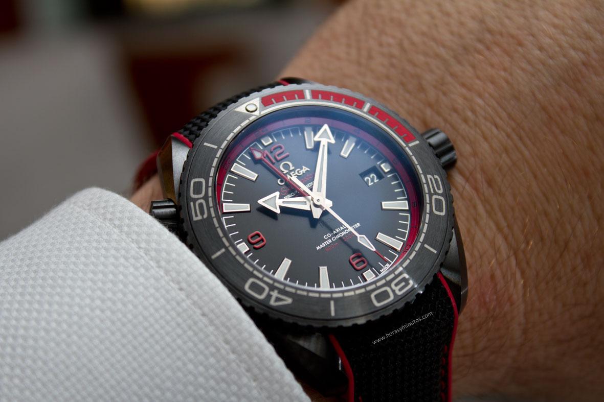 Omega-Seamaster-Planet-Ocean-Deep-Black-8-Horasyminutos