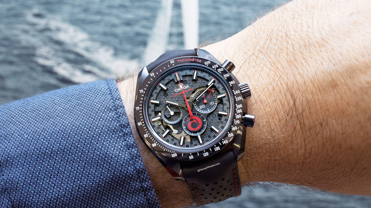 El Omega Speedmaster Dark Side of the Moon Alinghi , en la muñeca