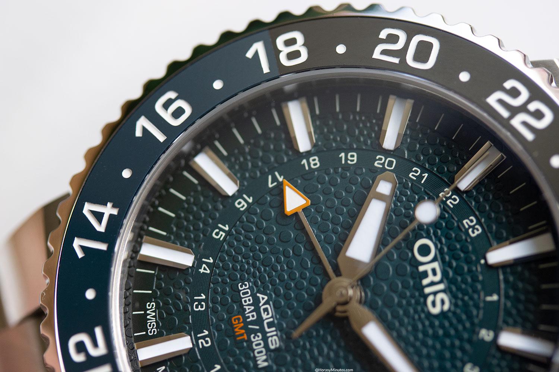 Detalle de la esfera del Oris Aquis GMT Date Whale Shark Limited Edition