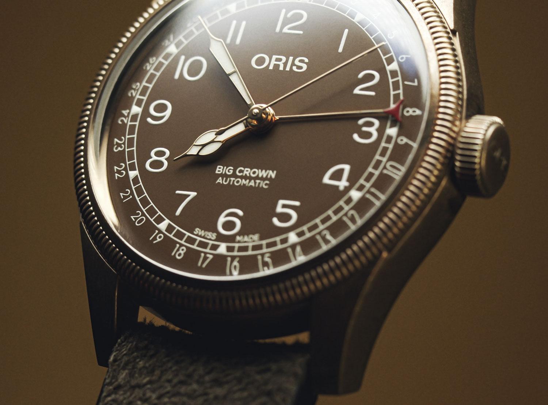 El Oris Big Crown Bronze Pointer Date, de perfil