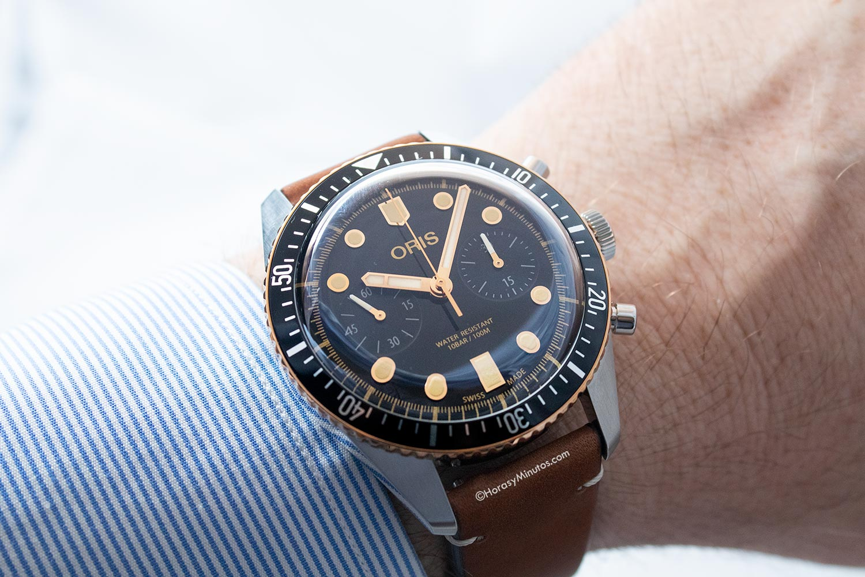El Oris Divers Sixty-Five Chronograph en la muñeca