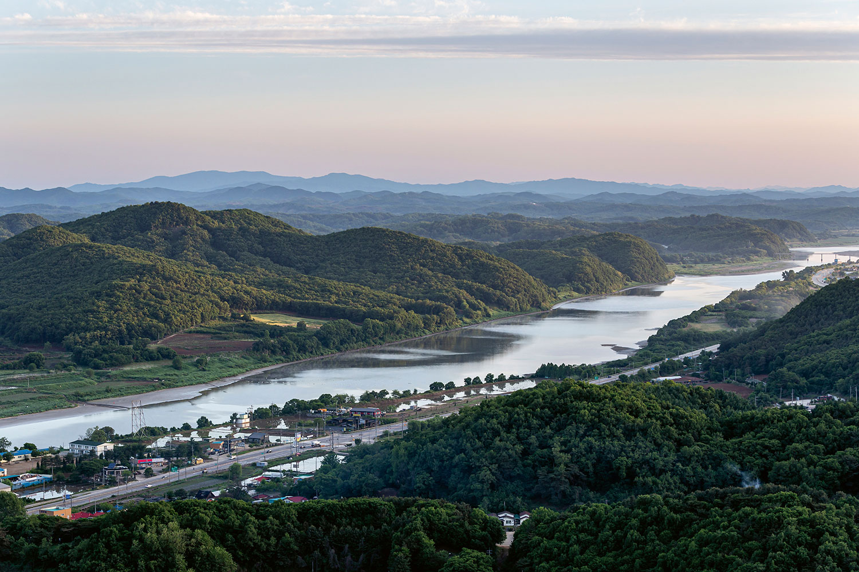 El río Hangang, al que se apoya con el Oris Hangang Limited Edition