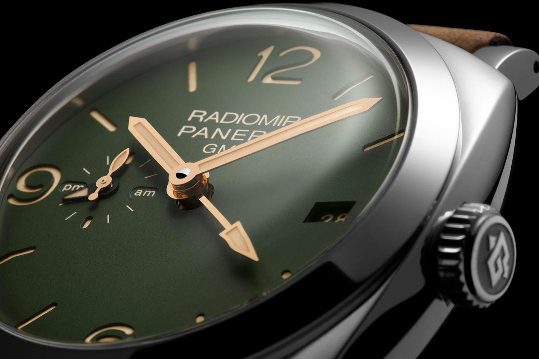 Detalle de la esfera del Panerai Radiomir 1940 Green Dial GMT PAM 998
