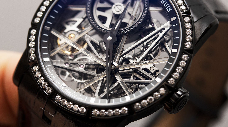Detalle de las barras de zafiro del Roger Dubuis Excalibur Blacklight
