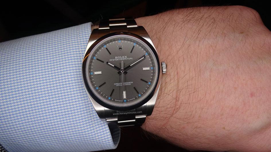 Rolex-Oyster-Perpetual-39-mm-esfera-gris-1-Horasyminutos