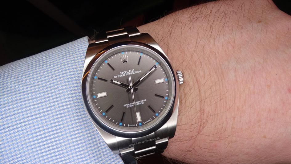 Rolex-Oyster-Perpetual-39-mm-esfera-gris-Horasyminutos