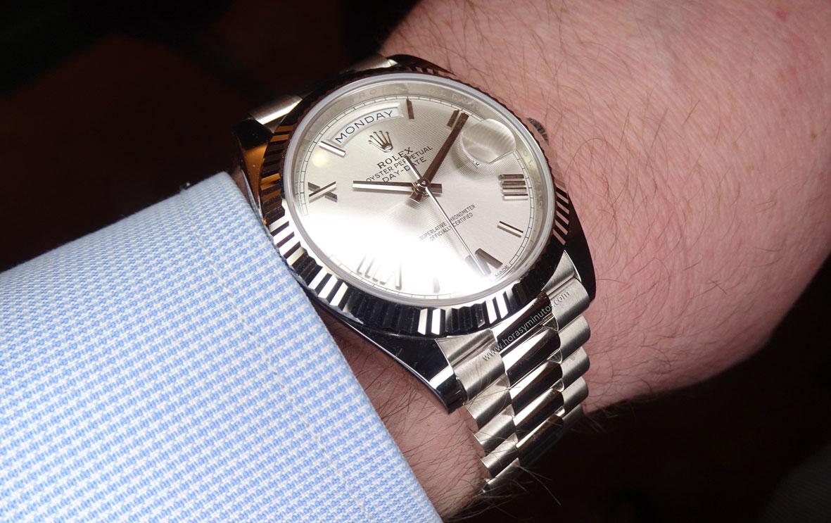 Rolex Oyster Perpetual Day Date oro blanco esfera cuartos perfil Horas y Minutos
