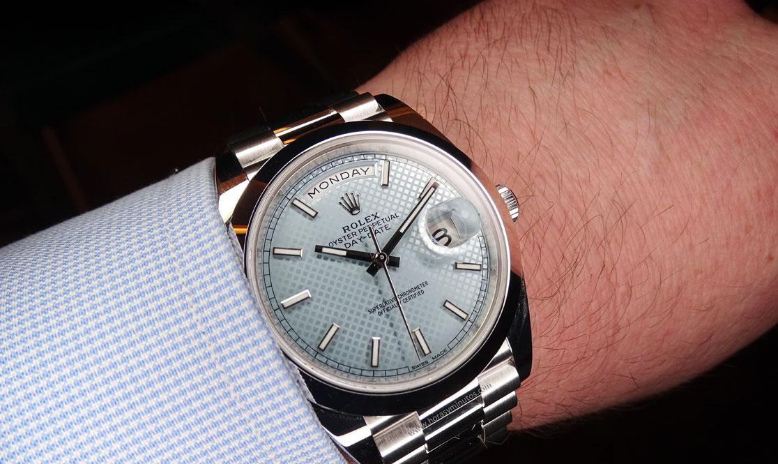 Rolex Oyster Perpetual Day Date platino esfera diagonales 1 Horas y Minutos