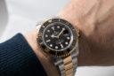 Rolex Sea-Dweller Rolesor en la muñeca