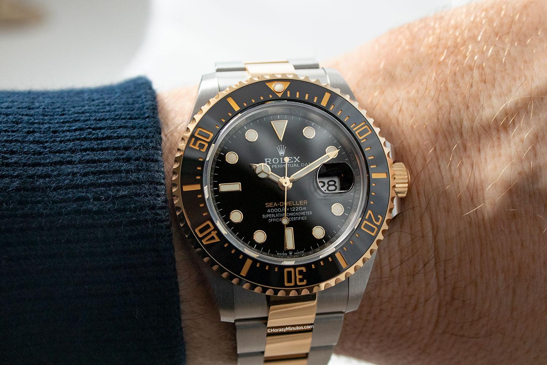 El Rolex Sea-Dweller Rolesor, visto de frente