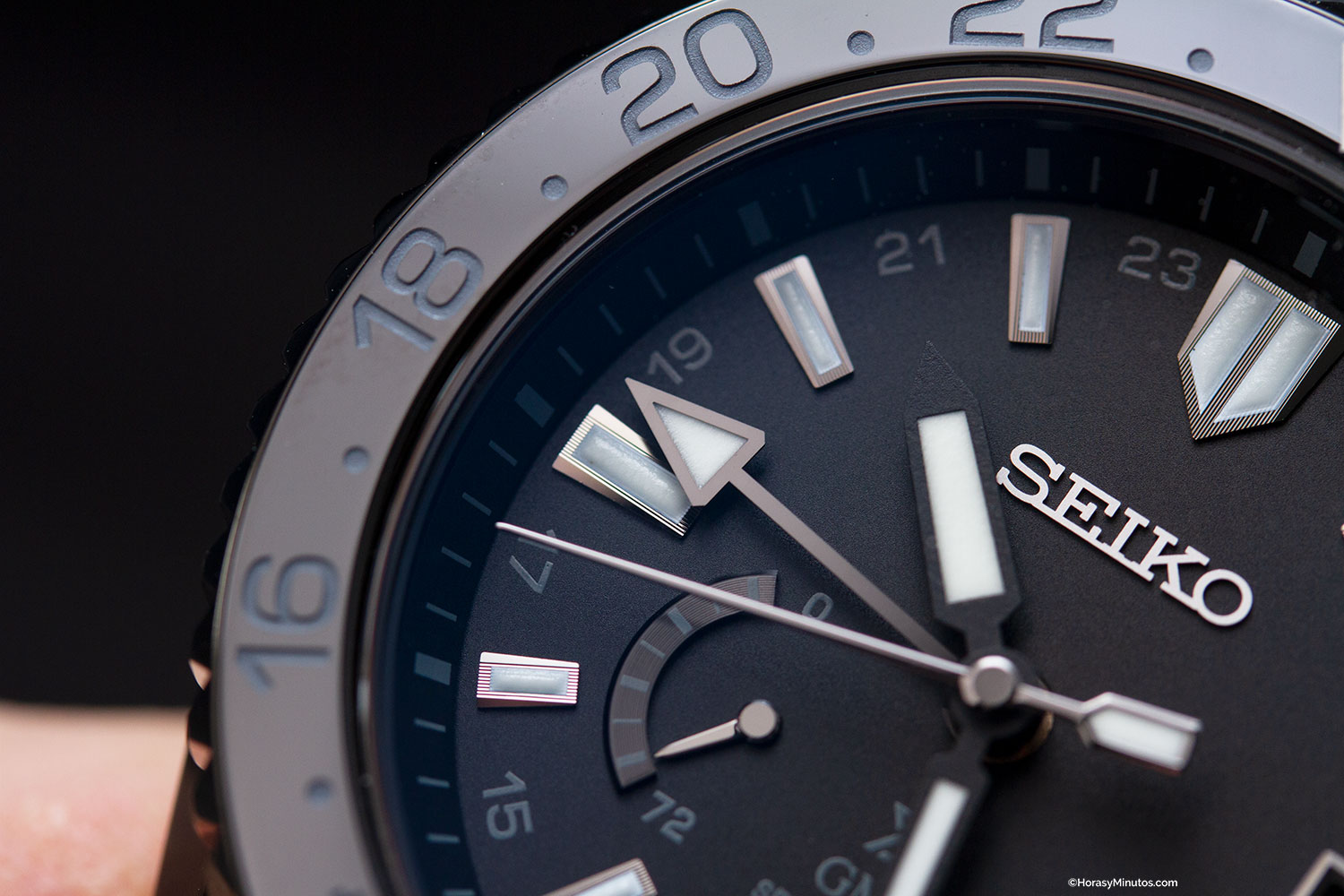 Detalle del Seiko Prospex LX GMT Air Black Edition