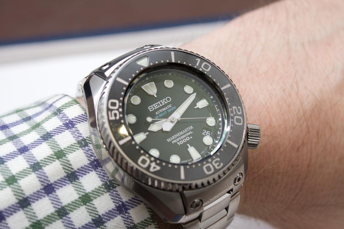Seiko-Prospex-Marinemaster-Professional-Divers-1000m-Hi-Beat-5-Horasyminutos