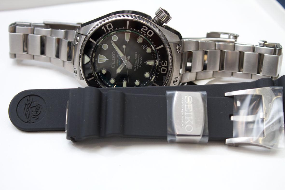 Seiko-Prospex-Marinemaster-Professional-Divers-1000m-Hi-Beat-brazalete-y-correa-Horasyminutos