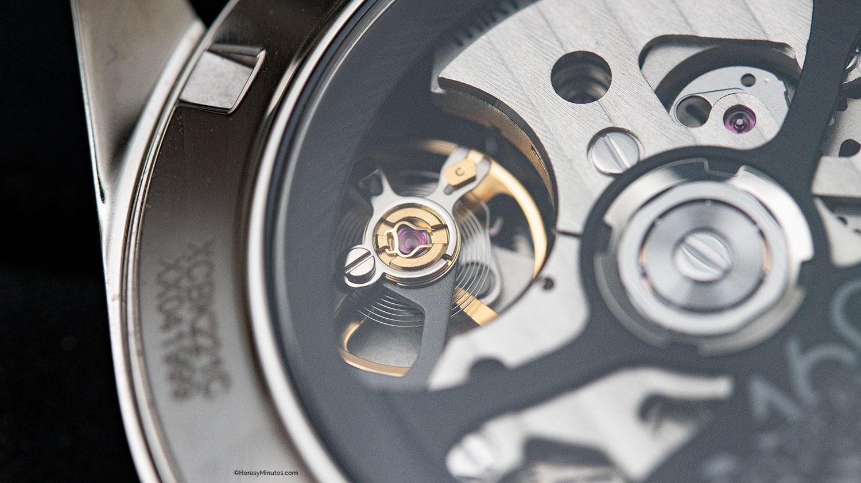 Detalle del volante del calibre Heuer 02 del TAG Heuer Carrera 160 Years Montreal Limited Edition