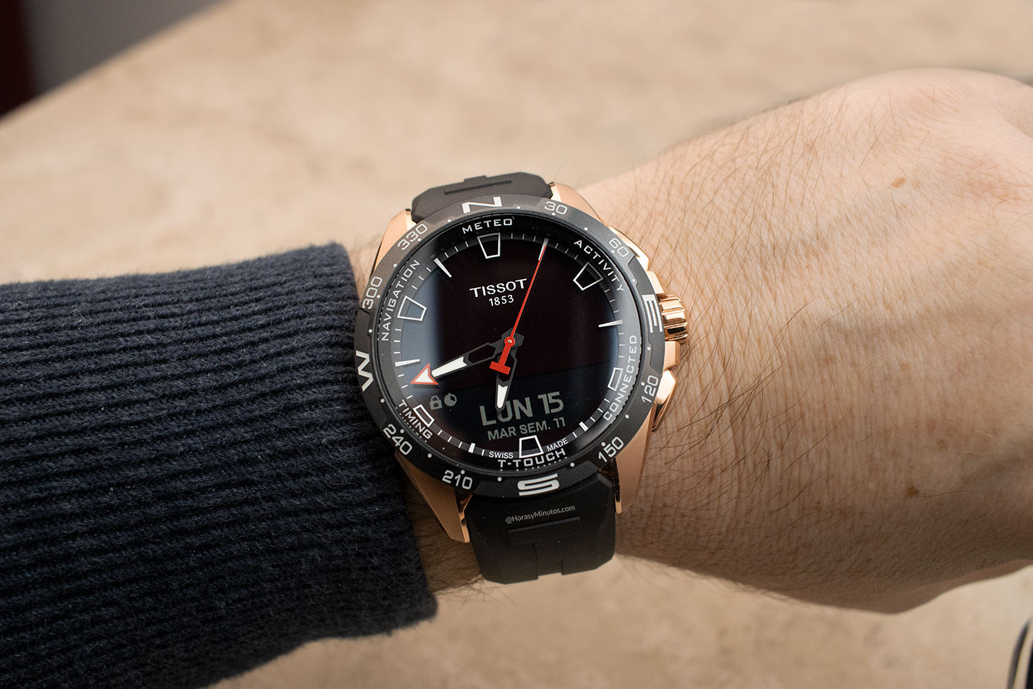 Tissot T-Touch Connect Solar dorado
