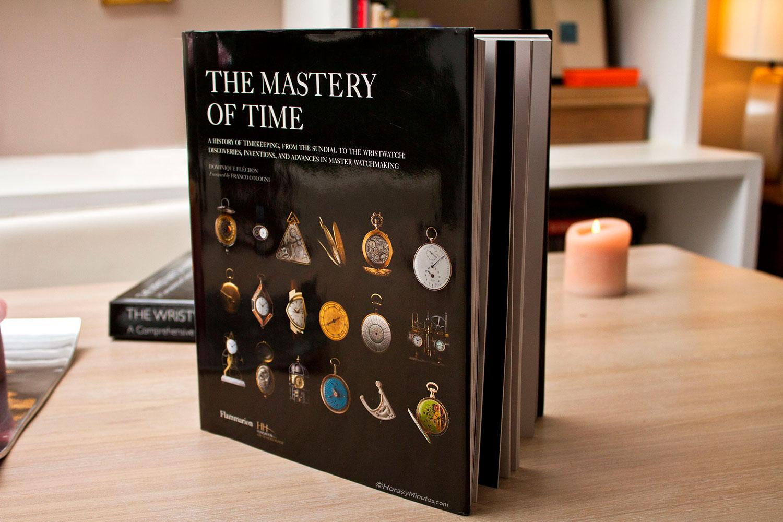Tres libros sobre relojería. Portada de The Mistery of Time