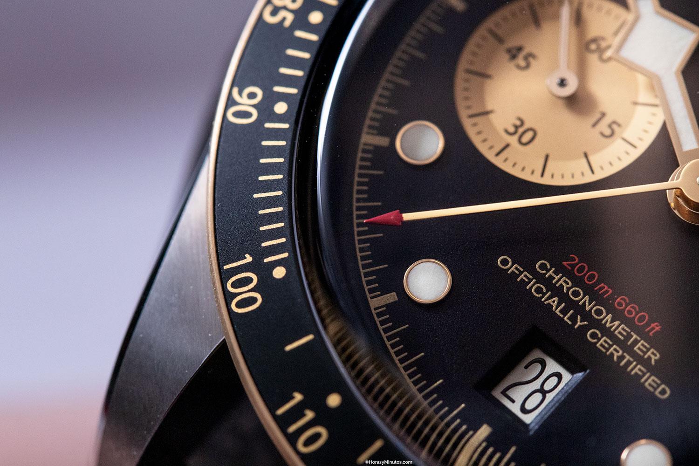 Detalle de la aguja del crono del Tudor Black Bay Chrono S&G