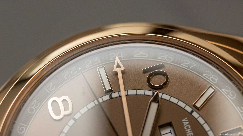 Detalle de la aguja de fecha del Vacheron Constantin Fiftysix Calendario Comnpleto