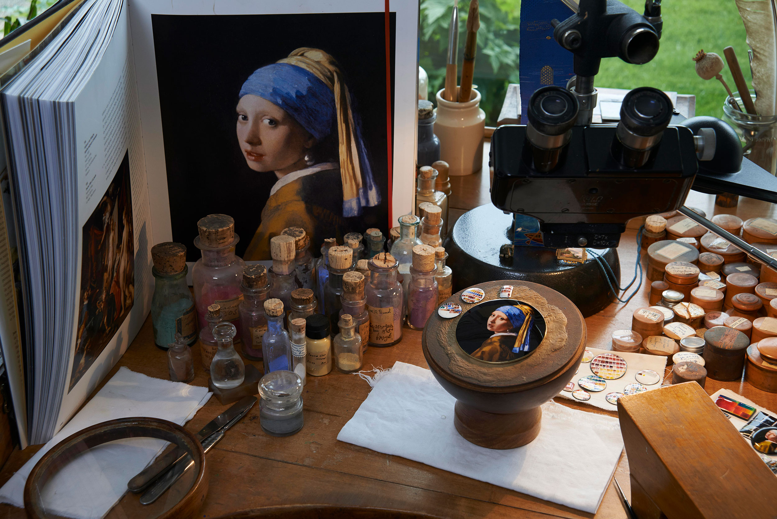 El estudio de la esmaltadora Anita Porchet
