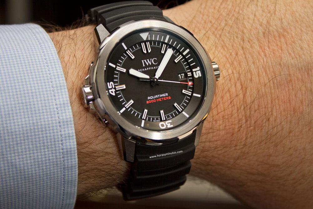 fd90a467d88f El nuevo IWC Aquatimer Automatic 2000 Edition «35 Years Ocean 2000» es la  reedición de un modelo que fue una proeza de la ingeniería y que ha ido  mutando ...